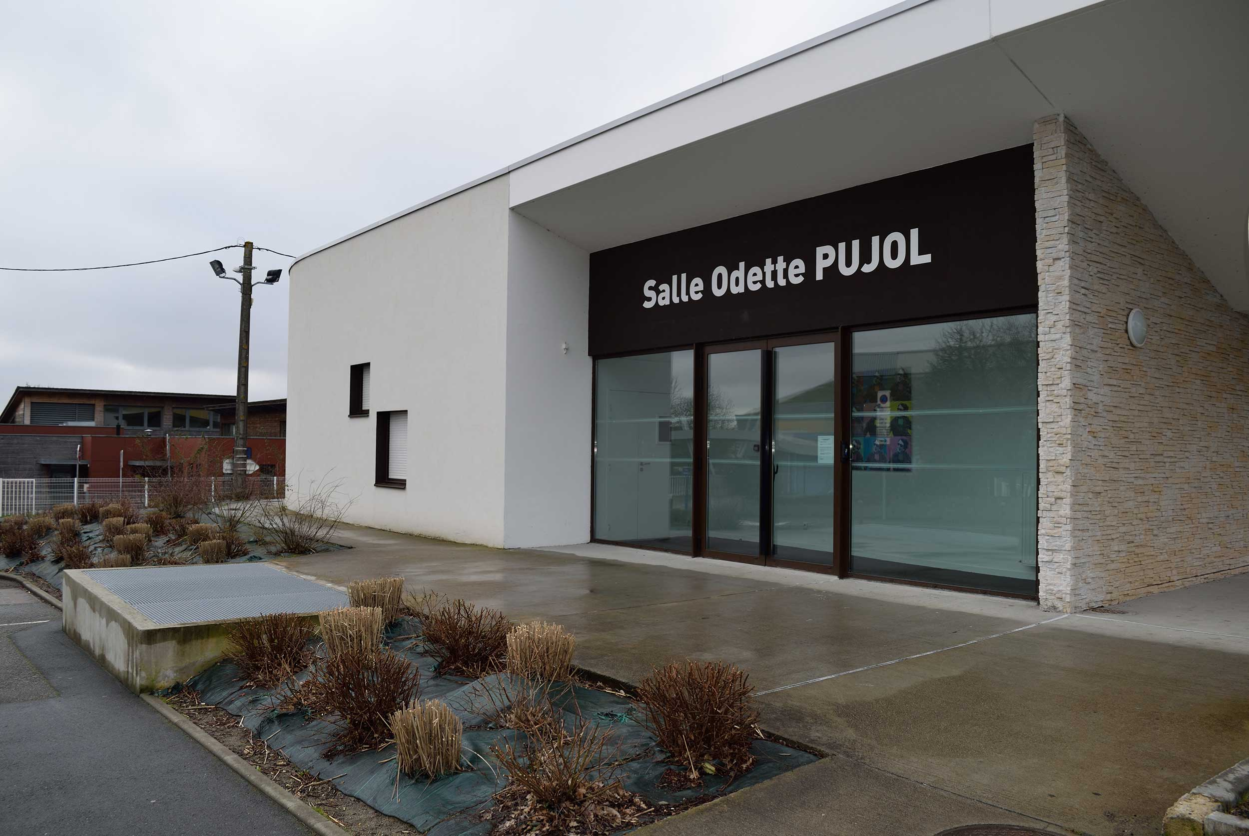 http://www.thouare.fr/wp-content/uploads/2017/03/Salle-municipale-Odette-Pujol.jpg